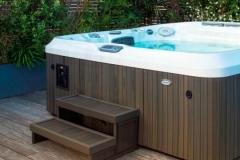 j-480-hot-tub jacuzzi