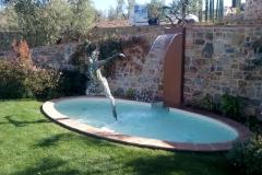 fontana decorativa con cascata a lama d'acqua